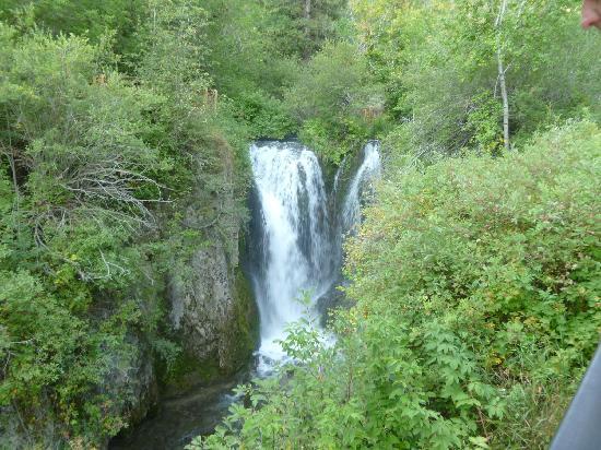 Spearfish Canyon: roughlock falls