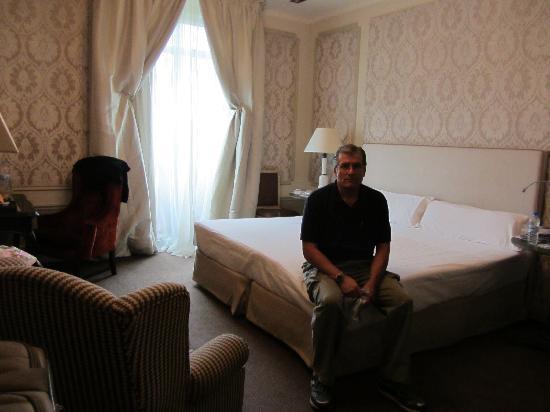 El Palace Hotel: Comfy bed