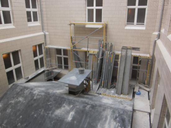 """Dom Hotel Koeln: """"Aussicht"""" vom Zimmer"""