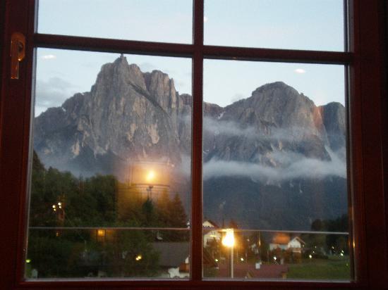 Hotel Alpenflora: Vista sullo Sciliar