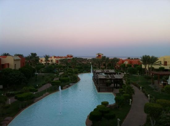 Coral Sea Holiday Village: dusk
