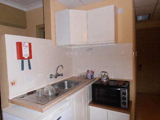 Soreda Hotel: 'Kitchen area'