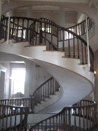 Old Capitol Museum: spiral stairs