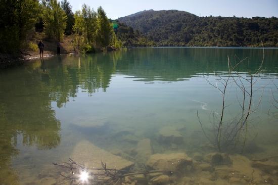 ลา ชาร์ลอตต์ เอ็กซ์ ออง โพรวอง: Lac de Bimont ไม่ไกลจากที่พัก