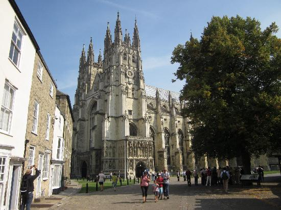 Grand Burstin Hotel: Nearby Canterbury Cathederal well worth a visit