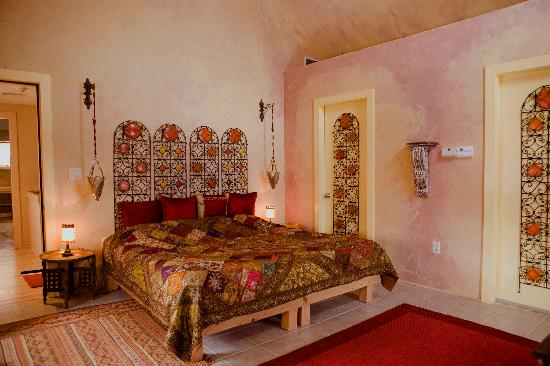 Topia Inn: Moroccan Room