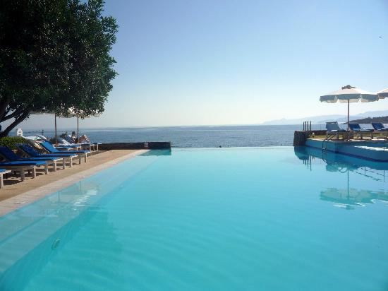 St. Nicolas Bay Resort Hotel & Villas: Pool