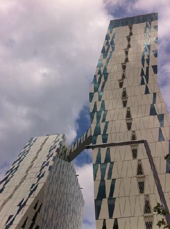เบลลาสกายคอมเวล: Los edificios del Bella Sky Comwell