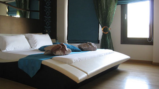 Iakovaki Suites & Spa: Bed