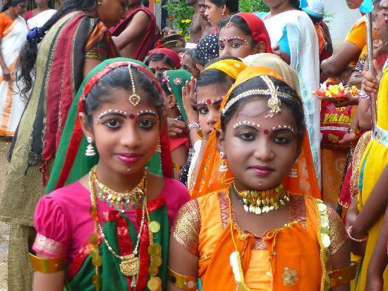 La Dame Rouge: Fete de Krishna