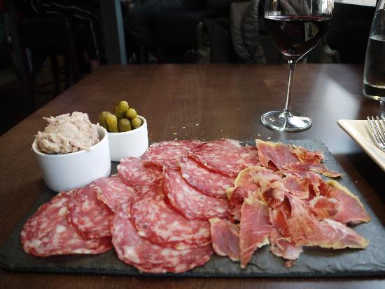 Sante Wine Bar and Restaurant: 25 Sep. 2011