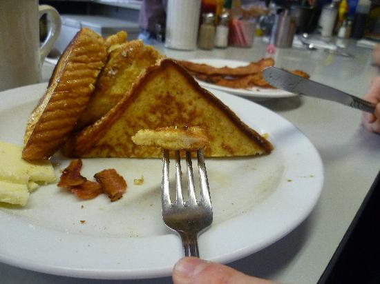 Golden Coffee Shop: Yummy French Toast