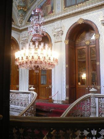 พระราชวังโดลมาบาชเช่: Escaleras del Califato