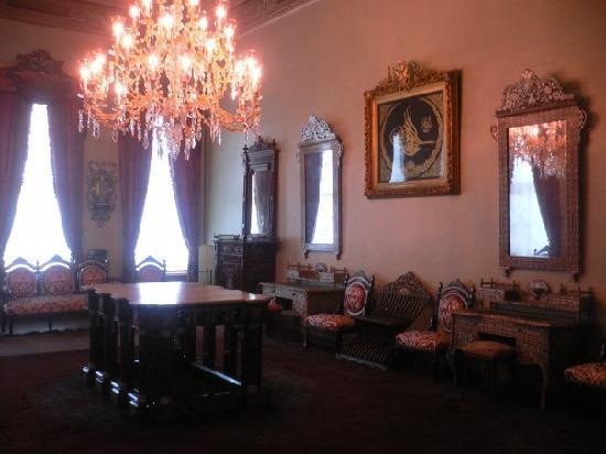 พระราชวังโดลมาบาชเช่: Estancia del Harén