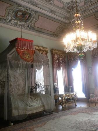 พระราชวังโดลมาบาชเช่: Dormitorio de la esposa del Sultán