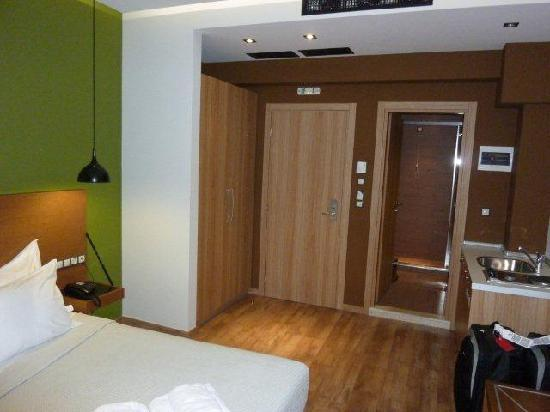 A for Athens: Level 5 (back part of hotel), double bed room