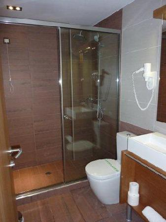 A for Athens: Level 5 Bathroom (back part of hotel), double bed room