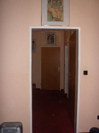 Hotel Gabriel: Entrada habitación