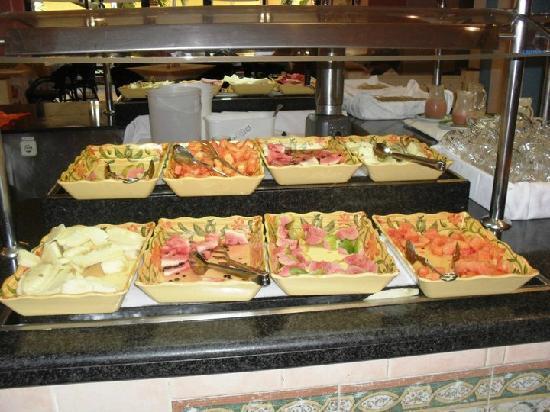 Sol Palmeras: Toda la variedad de frutas en el restaurant bufette...riquísimas...del otro lado había más