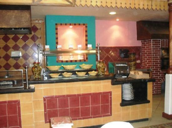 Sol Palmeras: Otro sector de comidas del restaurant bufette...