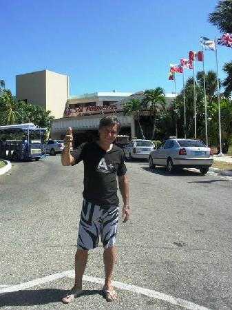 Sol Palmeras: Entrada del hotel