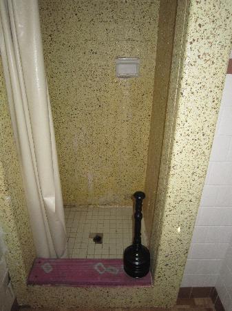 Beachfront White Sands Resort Motel : Bathroom