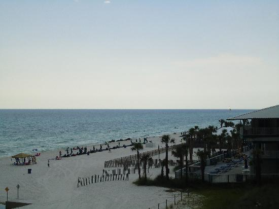 The Sandpiper Beacon Beach Resort : View from our balcony