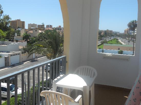 Hotel ATH Roquetas de Mar: terraza de la habitacion