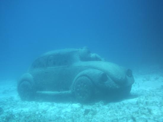 Scuba Fred's: VW Sculpture in the Underwater Museum of Cancun