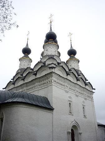 Alexeevskaya Usadba: One of the MANY beautiful churches