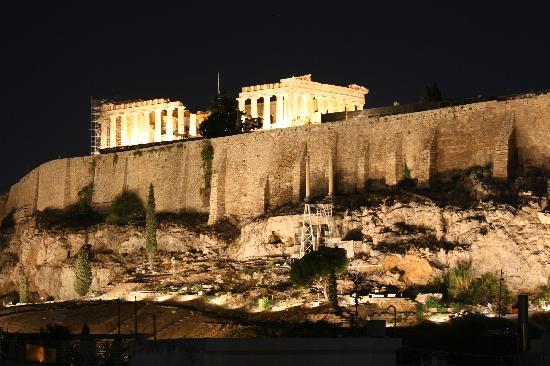 The Athens Gate Hotel: A late dinner view from the balcony