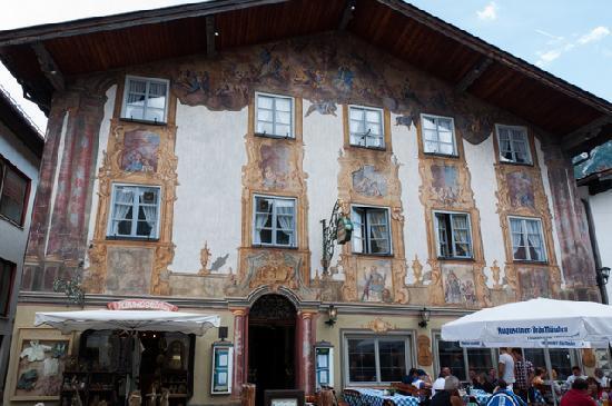 Alpenrose Traditionsgasthof: Quaint old hotel
