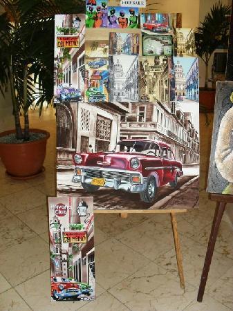 Sol Palmeras: Cuadritos de lugares de La Hababa en el lobby del hotel, para la venta...