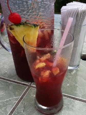 Ronny's Place: Ronny's sangria