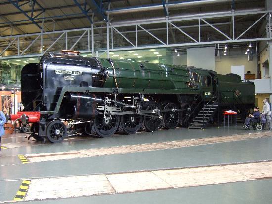 พิพิธภัณฑ์รถไฟแห่งชาติ: Evening Star - the last steam loco built by British Railways