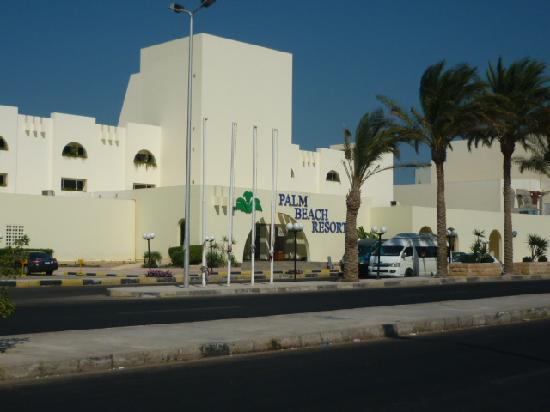 Palm Beach Resort: Hotel vue de la rue