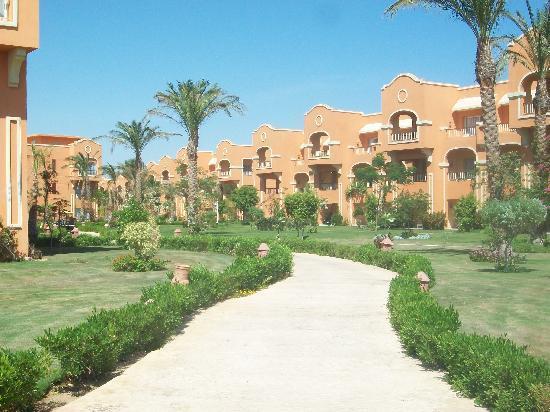 Caribbean World Resorts Soma Bay: path