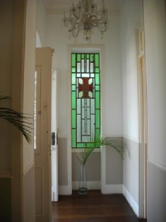 Casa Amarelo by Robert le Heros: entry foyer