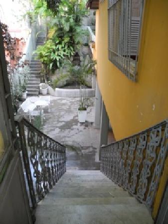 Casa Amarelo by Robert le Heros: garden terrace