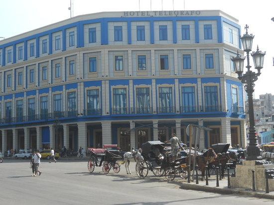 Hotel Telegrafo: The Telegrafo taxi rank..