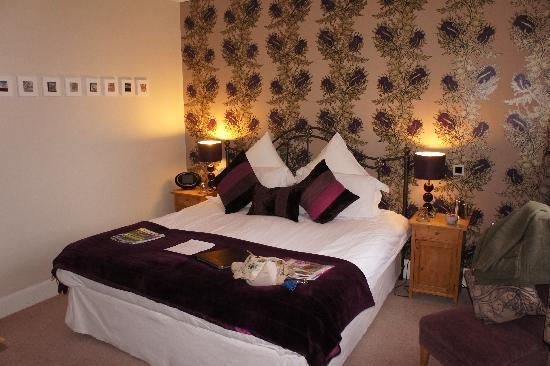Trafford Bank Guest House: The Thistle Room