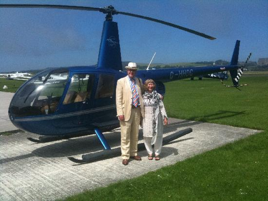 Bailiffscourt Hotel & Spa: Helicopter arrives at Bailiffscourt