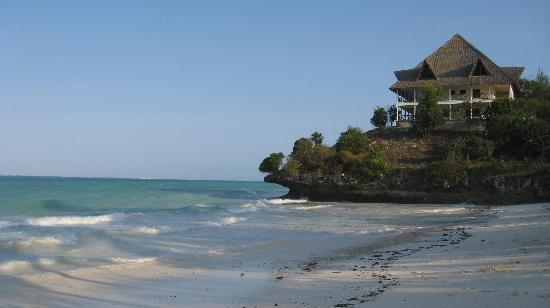 Kichanga Lodge: the huge beach - always empty