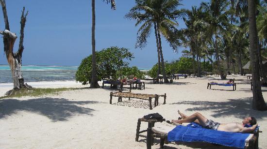 Kichanga Lodge: more beach