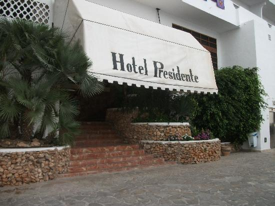 Hotel Presidente: front of hotel