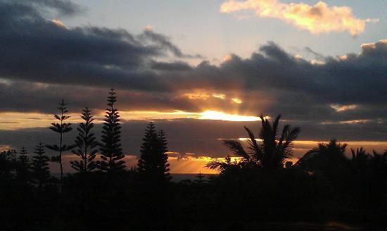Maui Ocean Breezes: Sunrise!