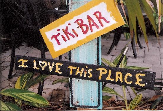Crane's Beach House Boutique Hotel & Luxury Villas: Tkiki Bar was so fun