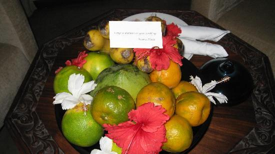 Kisiwa House: fruit awaiting us upon arrival