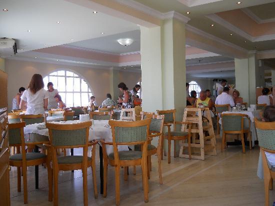 Mitsis Family Village Beach Hotel: Ristorante