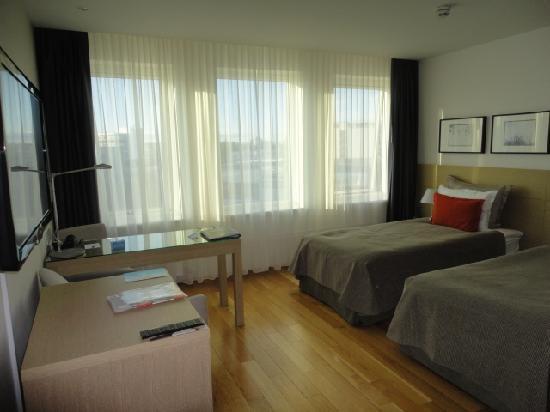 ฮิลตัน เรกยาวิก นอร์ดิกา: Double room with twin beds